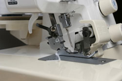 Serger sewing machi