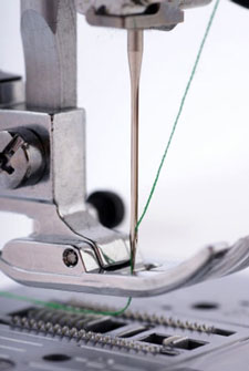threading a sewing machine needle